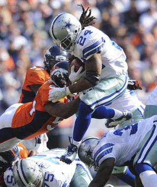 Cowboys Broncos Footb_Vett(2)